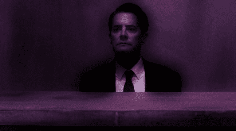 Cooper (Kyle MacLachlan) in the floating room