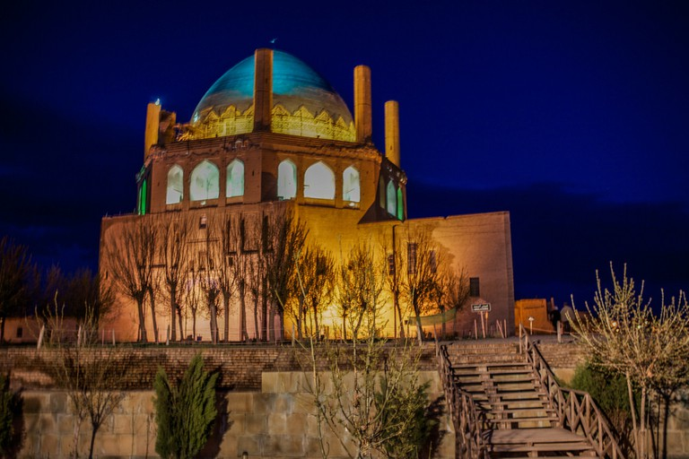 Soltaniyeh Dome combines Persian and Islamic architecture