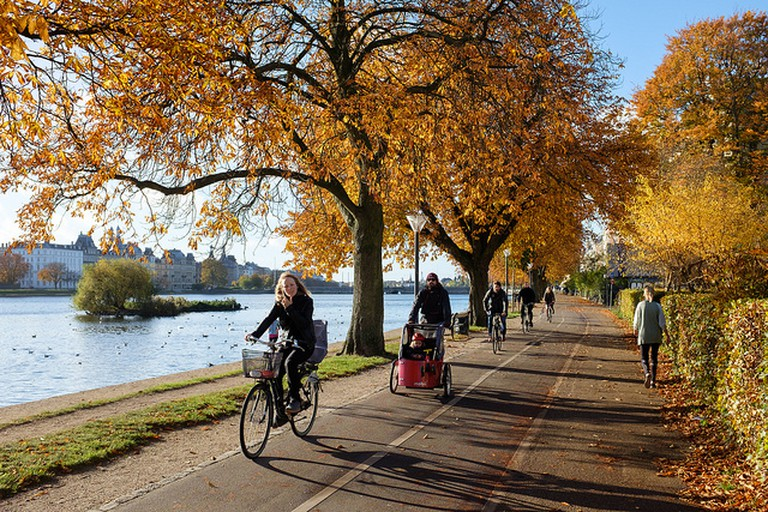 Autumn and bicycles in Copenhagen (Søerne)