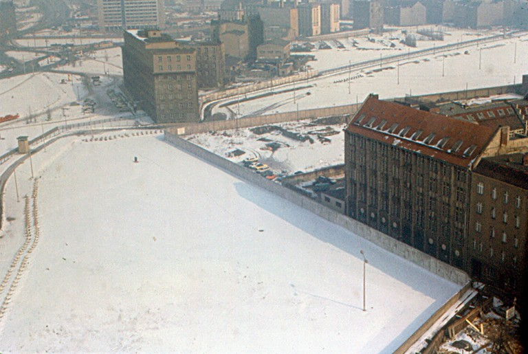A wintery view of the Berlin Wall from above