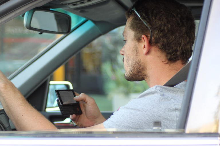 Austin city laws ban texting while driving