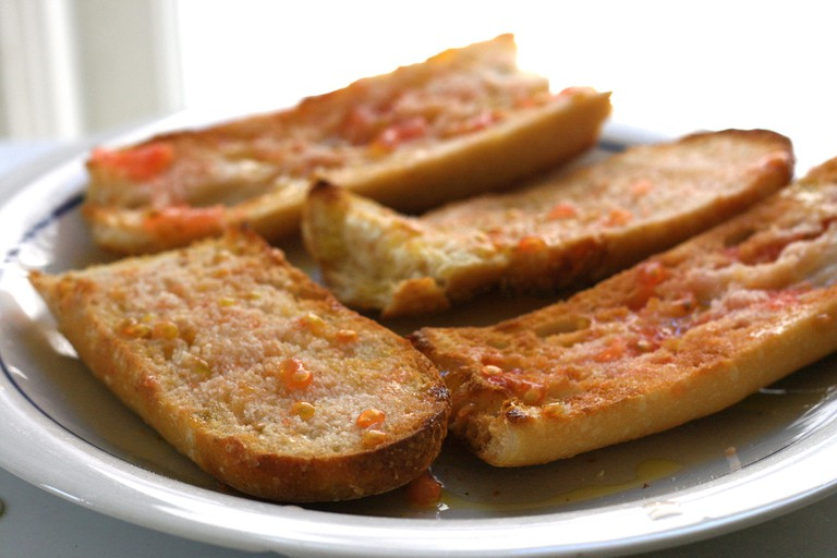 Pan con tomate © Jennifer Woodard Maderazo