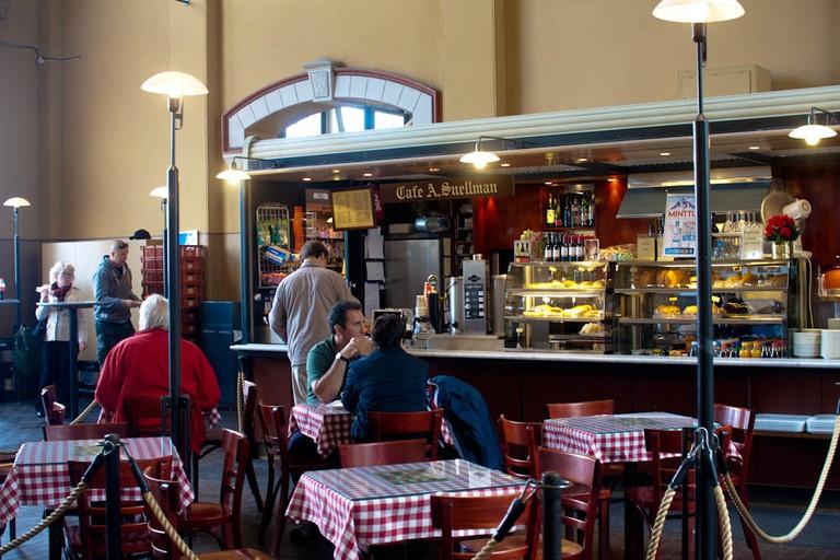 A market hall cafe / Jennifer Woodard Maderazo / Flickr
