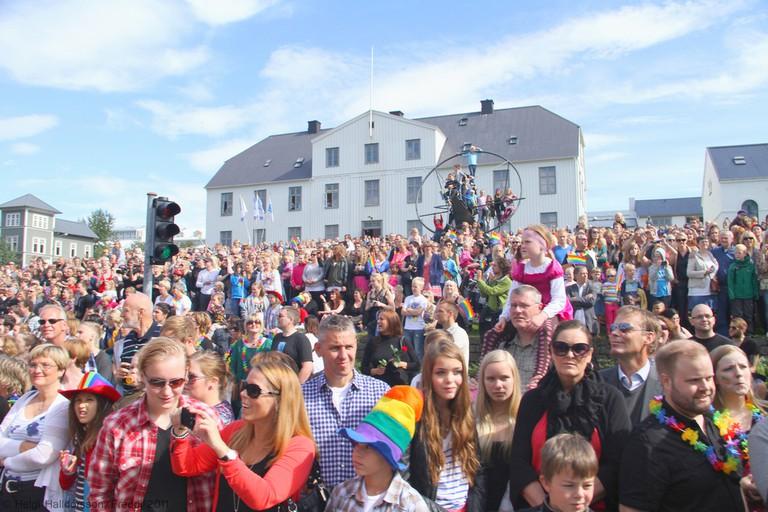 Hundred thoasand people | © Helgi Halldorsson/Flickr