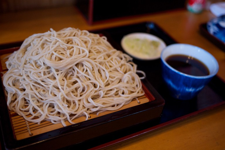 Chilled soba noodles for dipping