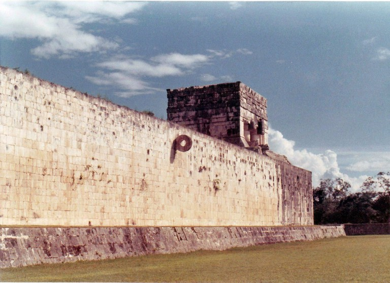 Chichén Itzá's ball court, which is likely very similar to the new discovery