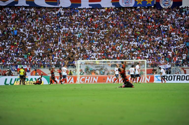 Vitória celebrating a goal against Bahia