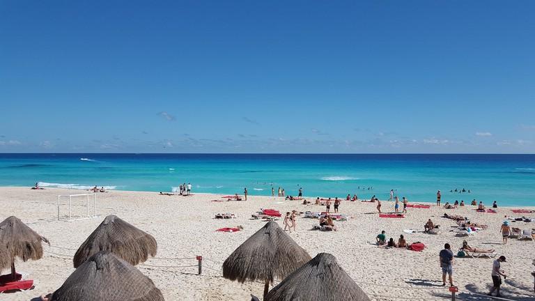 Enjoy the beach in Cancún