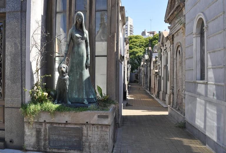 Statue of Liliana Crociati de Szaszak in the Recoleta Cemetery