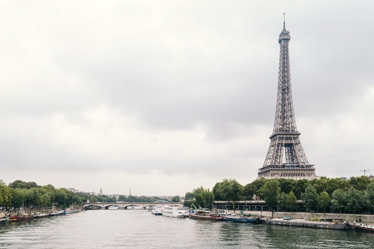 Eiffel Tower from Bont de Bir-Hakeim / Pixabay