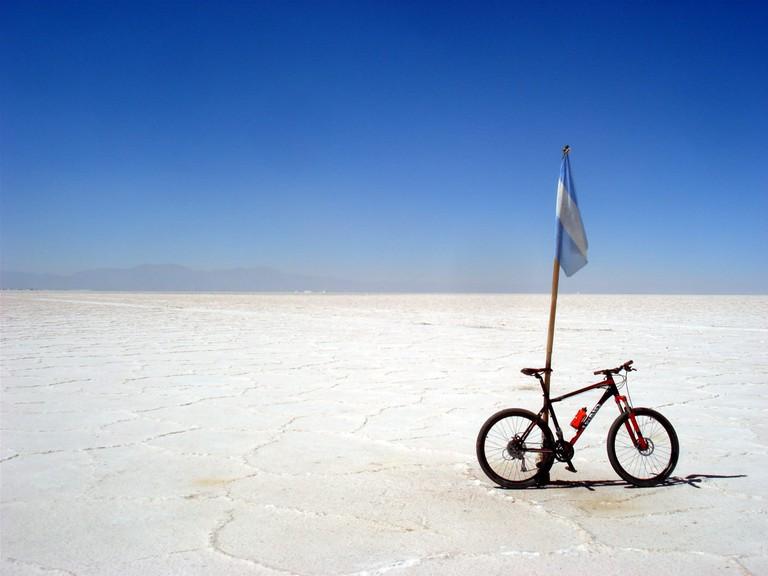 Jujuy en Bici's salt flat adventure