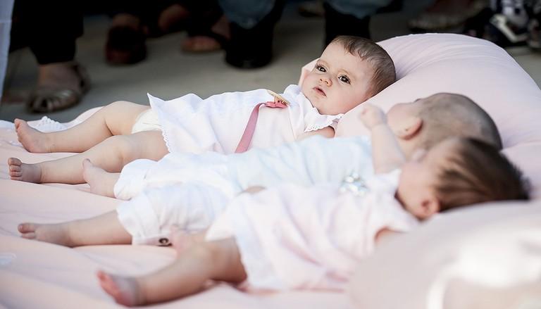 Babies lay waiting in Castrillo de Murcia © Samuel de Roman/REX/Shutterstock