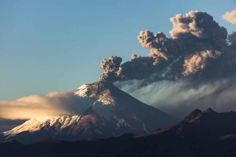 © Cotopaxi volcano eruption seen from Quito