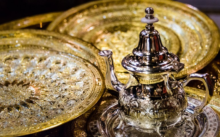 """<a href=""""https://www.flickr.com/photos/atonglee/30875700385/"""" target=""""_blank"""">Moroccan teapot"""