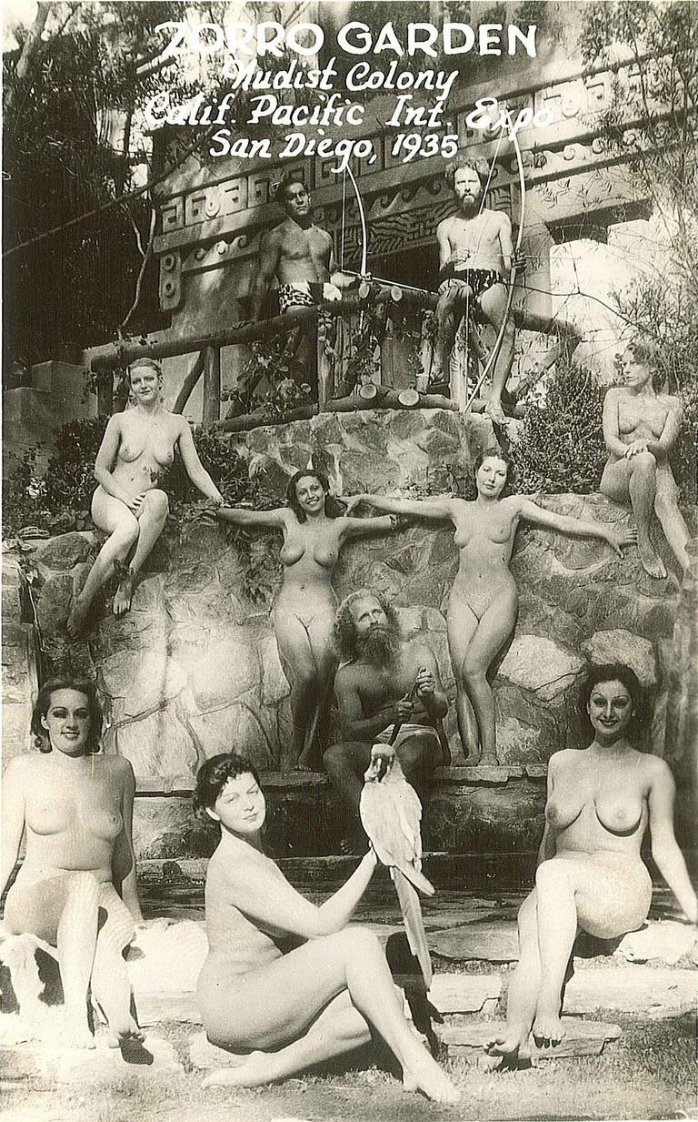 Promotional postcard for the Zoro Gardens Nudist Colony, 1935 / Wikimedia Commons