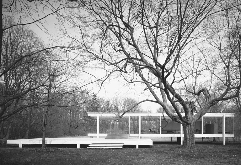 Ludwig Mies van der Rohe: Farnsworth House, Plano, Illinois, USA, 1951