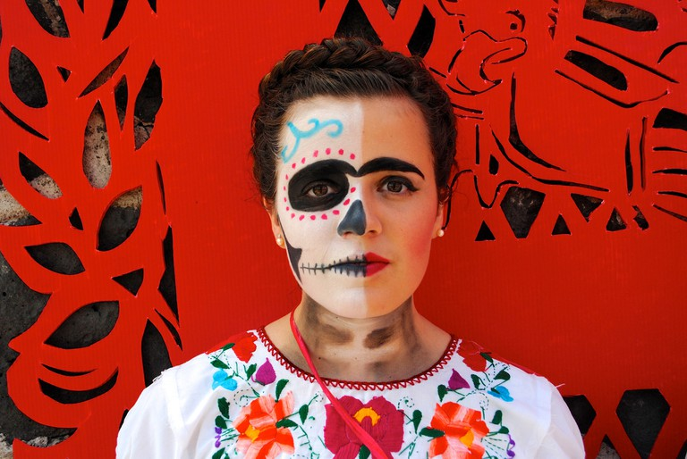 Traditional Catrina make-up in the style of Frida Khalo