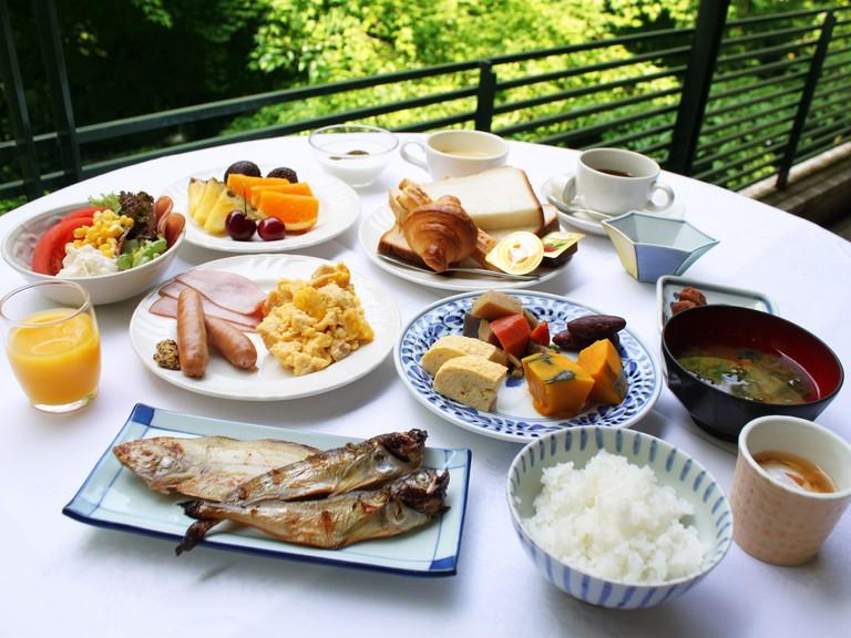 Japanese breakfast   © Nishimuraya Kinosaki Onsen/Flickr