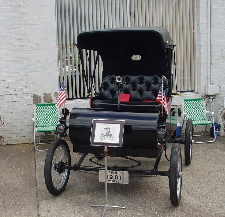 A 1901 Oldsmobile