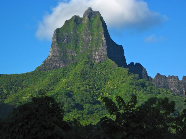 Moorea peak