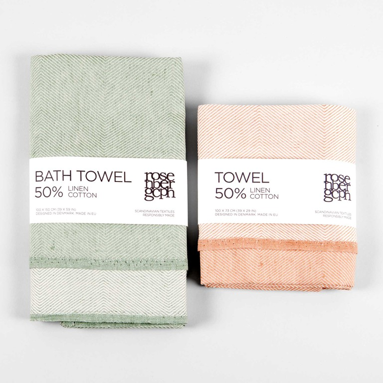 Towel pack