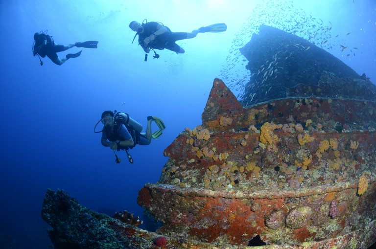 11 epic places in Seychelles that'll give you wanderlust - wreck diving