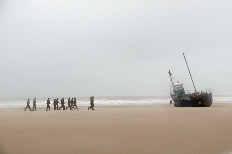 In Dunkirk, Tommy, Alex, Gibson, and the remnants of a Scottish regiment hope they can escape in an abandoned trawler