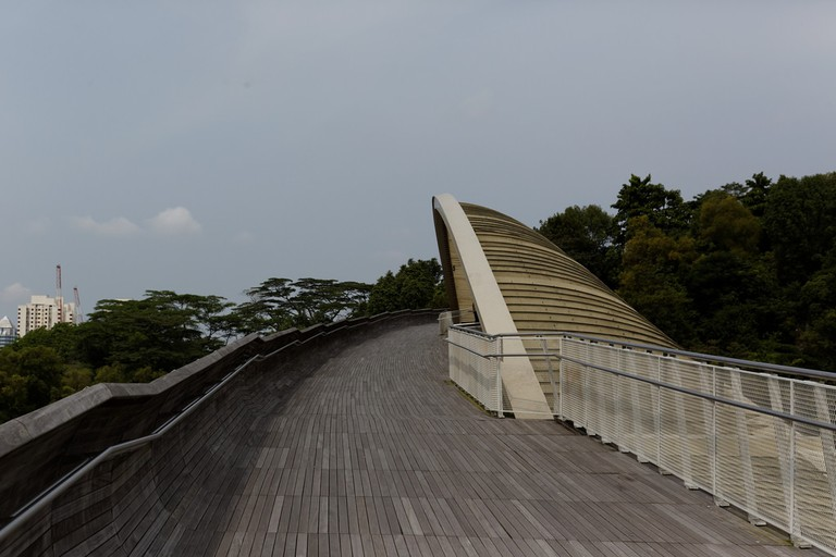 Henderson Waves on Southern Ridges