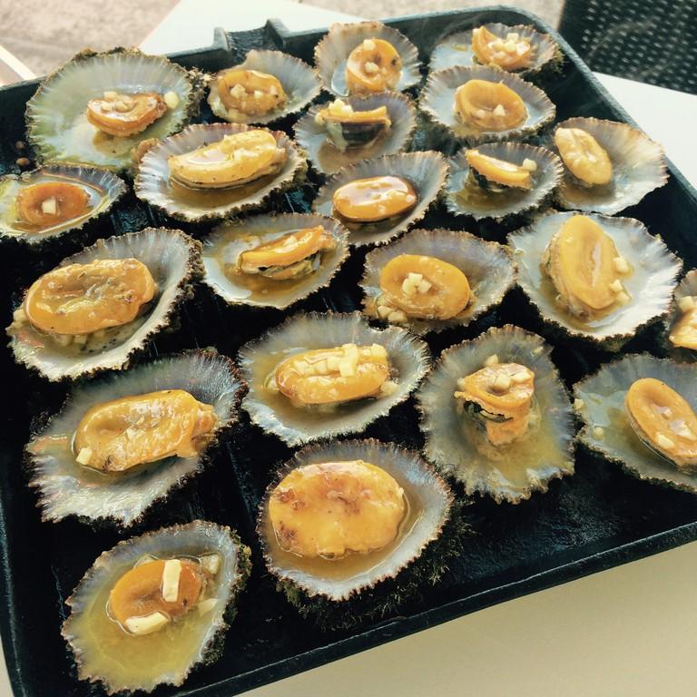 Grilled Lapas or Lapas Grelhadas