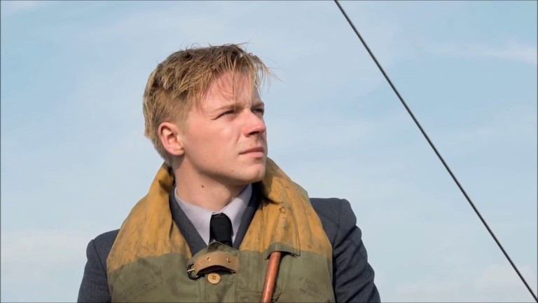 Jack Lowden as Collins in Dunkirk
