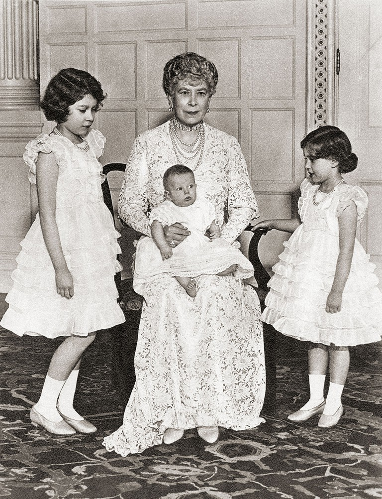 Mary of Teck with her grandchildren in 1936