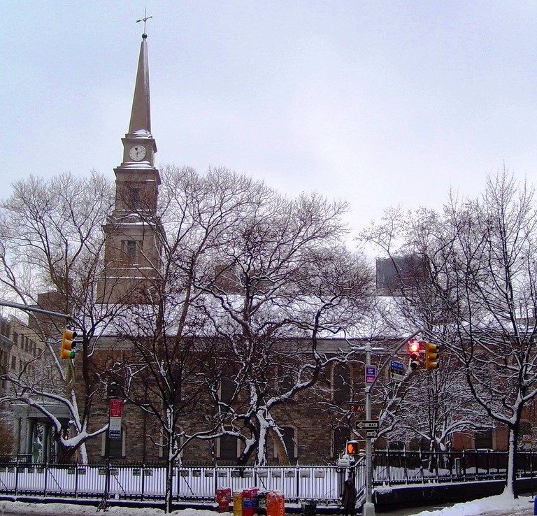 St. Mark's Church East Yard in winter | © Beyond My Ken / Wikimedia Commons