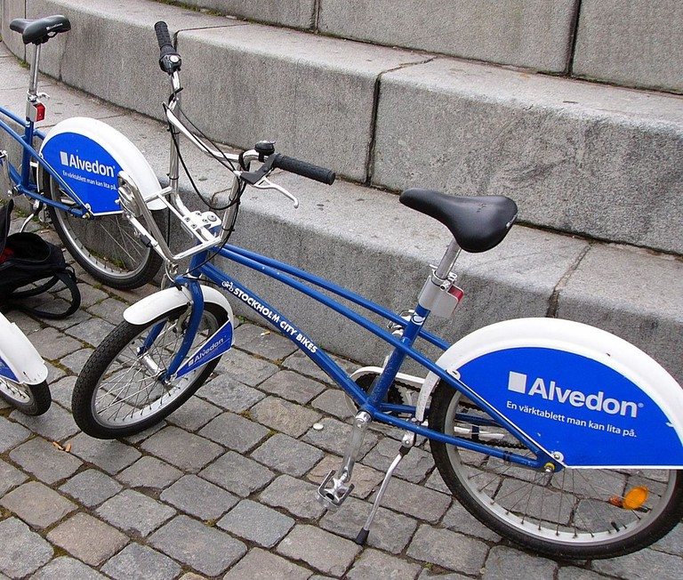 Rent a City Bike and explore / Photo courtesy of Wikipedia Commons