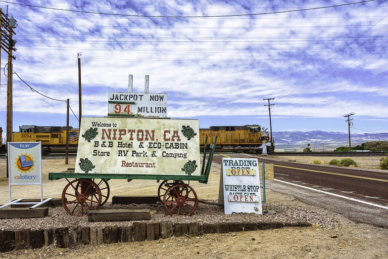 Nipton, CA | © akahawkeyefan/Flickr