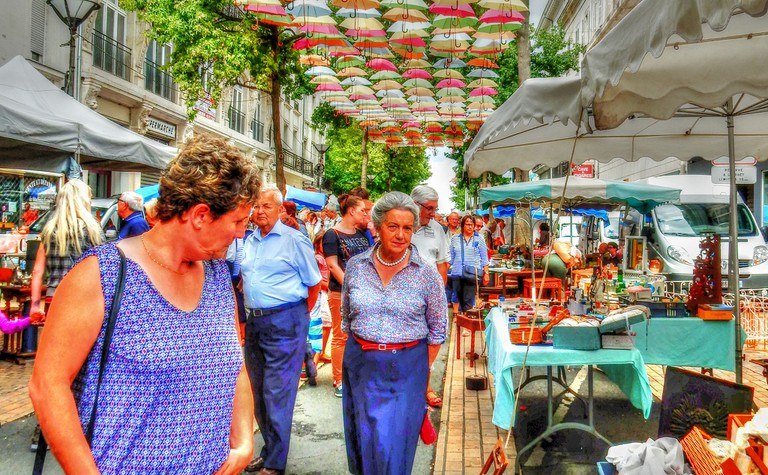 The Loire Valley's colourful markets always draw a crowd