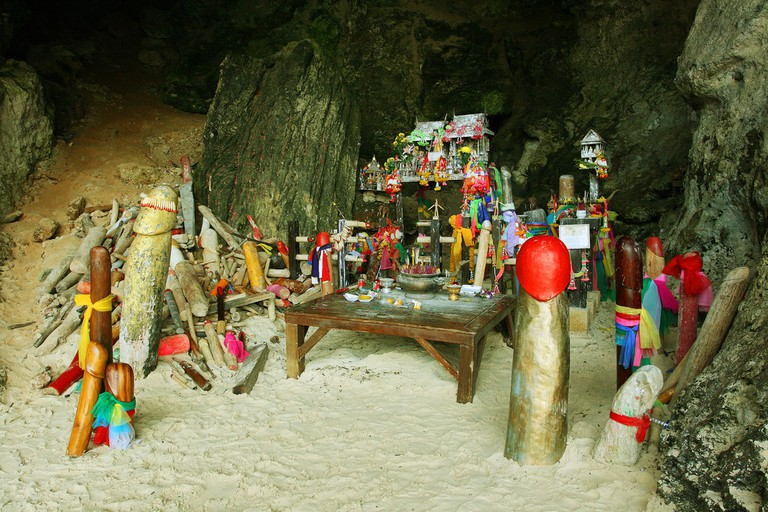 Phallus cave, Railay beach