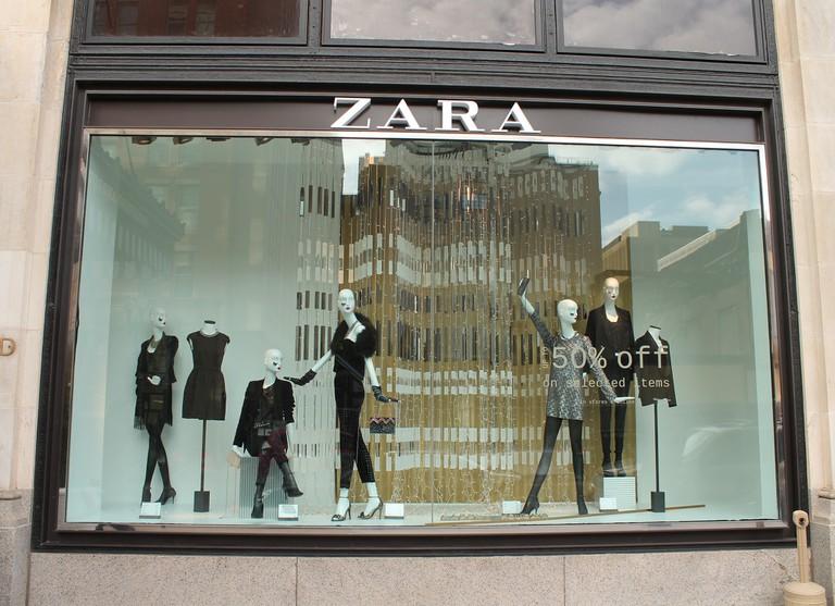 A Zara store © Elvert Barnes