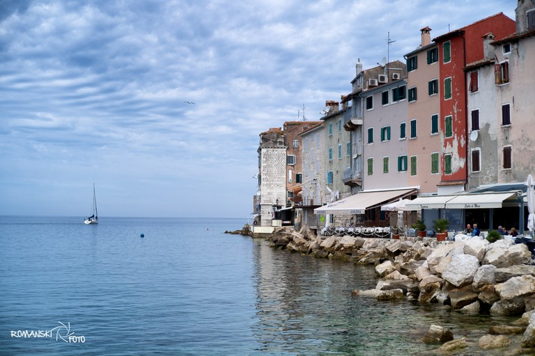 Rovinj waterfront dining | © Roman Avdagić/Flickr