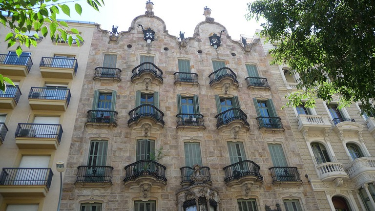 The conventional facade of Casa Calvet