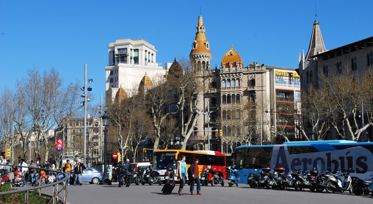 Buses and metro on Plaça Catalunya © Ivan Mlinaric