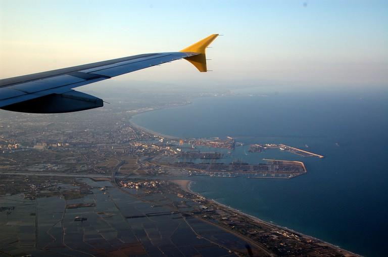 Landing in Valencia © Andrew Fecheyr