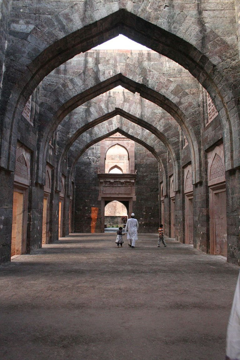 Arches in Hindola Palace