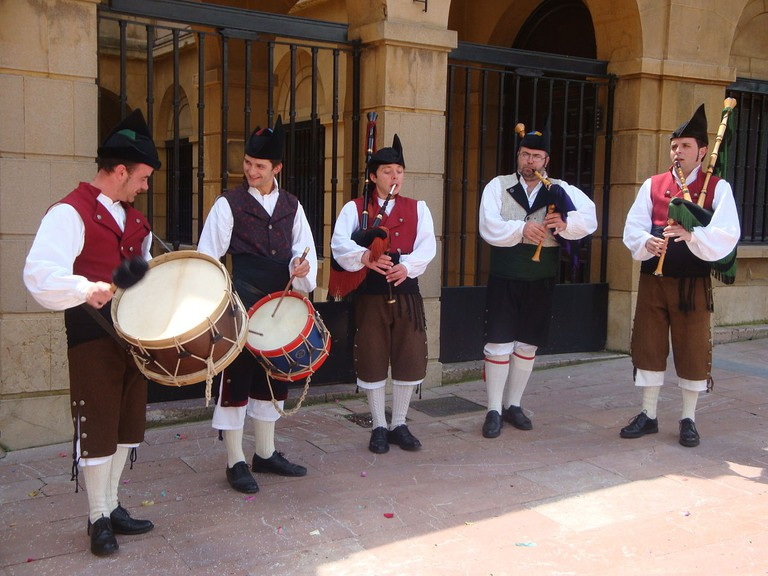 Bagpipers' Festival | ©Frobles / Wikimedia Commons