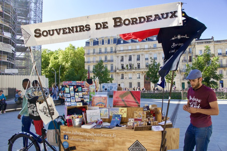 10 best places to buy souvenirs in bordeaux. Black Bedroom Furniture Sets. Home Design Ideas