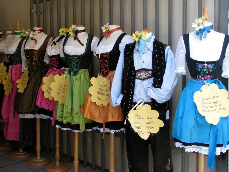 Dirndls for sale | © catlovers / Flickr