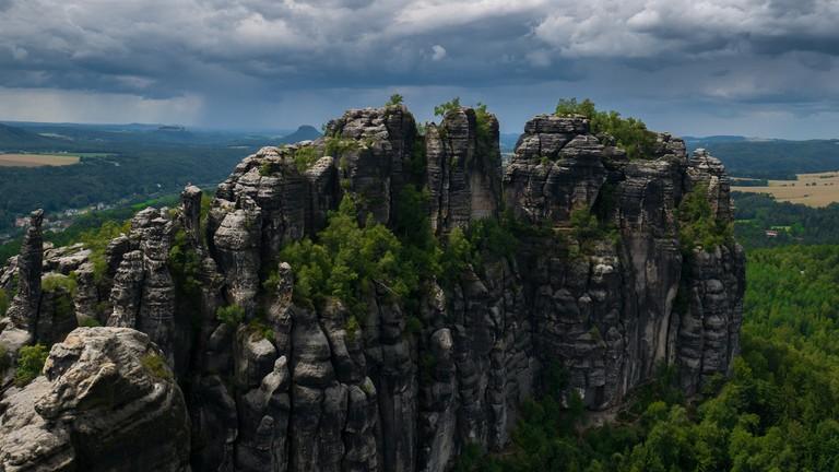 The sandstone peaks of Saxon