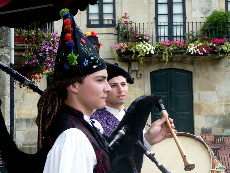 Galician pipers | ©juantiagues / Flickr