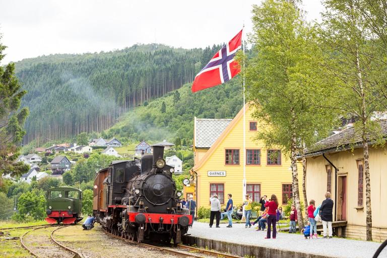 An old-school locomotive at the disused Garnes Stasjon between Voss and Bergen