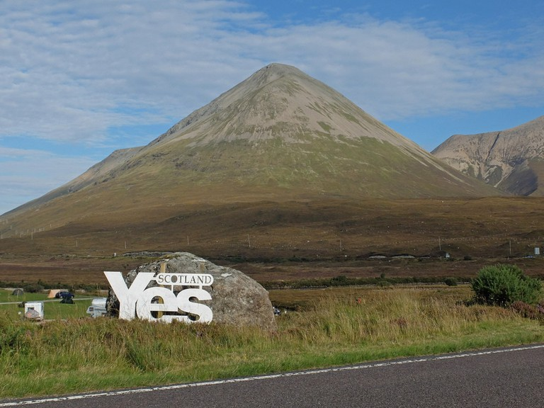 Yes Scotland Sign