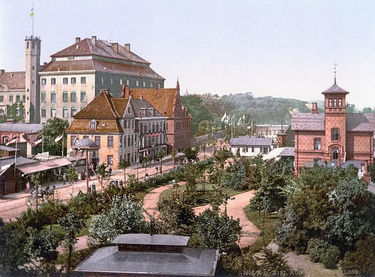 Koenigliches Schloss, Kiel, 1900 / Wikimedia Commons